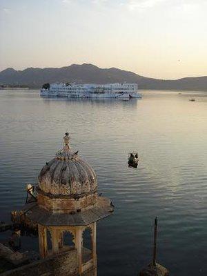 india_waterpalace.jpg