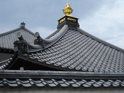 japan_templeroof.jpg