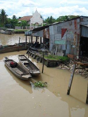 mekong6boatshouse.jpg