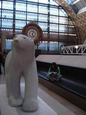 paris_dorsay_bear.jpg