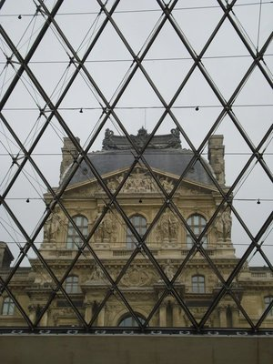 paris_louve_window.jpg