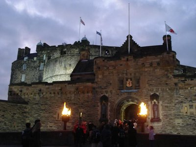 scotland_castle_front.jpg