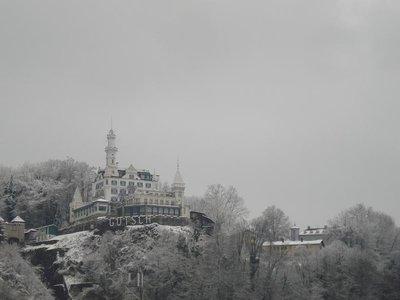 switzerland_castle.jpg