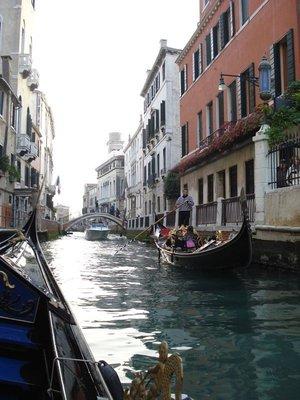 venice2_river_gondola.jpg