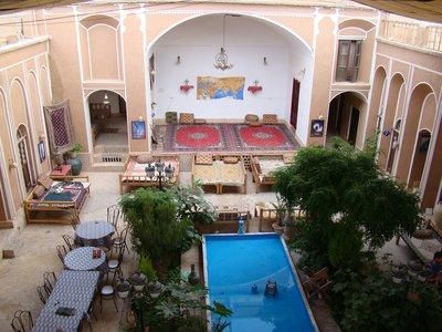 Oriental Hotel binnentuin