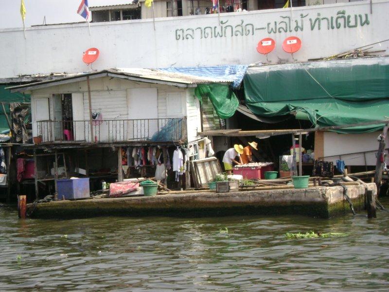 The docks of Chinatown