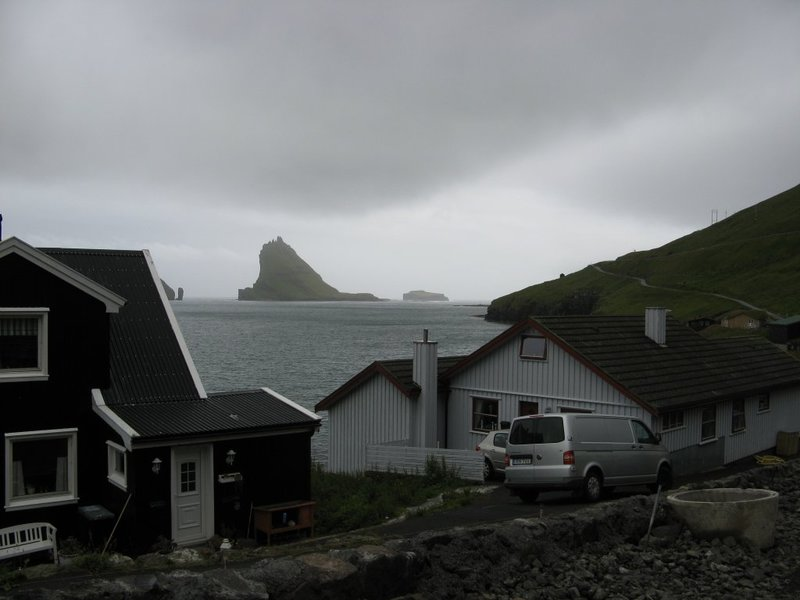 Bøur and Tindholmur
