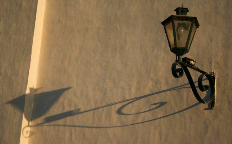 Lamp on the wall of the Convento de San Bernardo