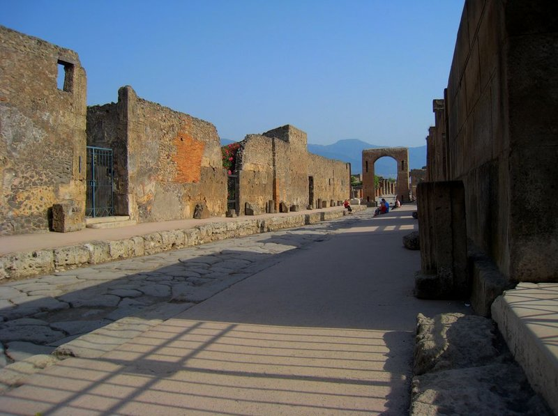 large_Pompei_Arc..80x768_.jpg
