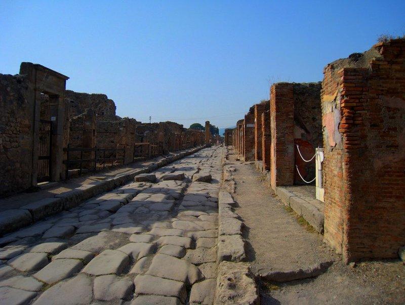 large_Pompei_Str..80x768_3.jpg