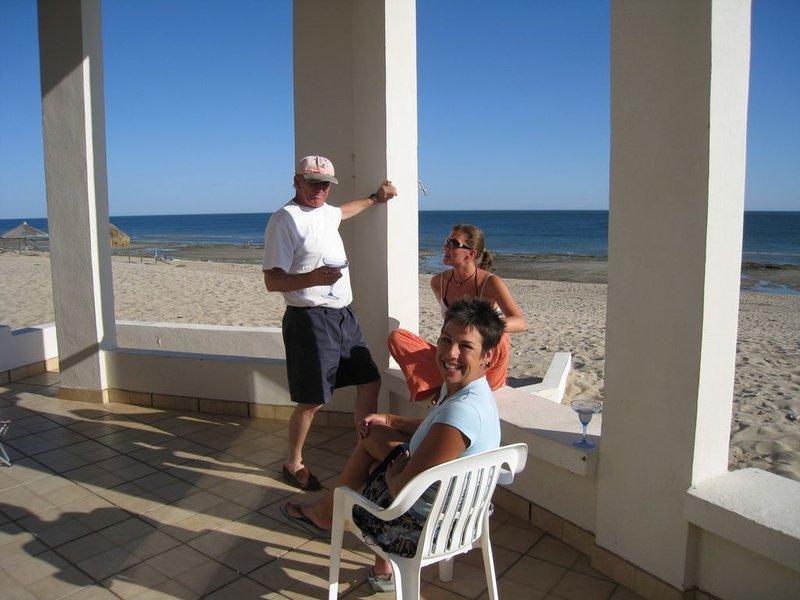 large_beach_vill..80x768_.jpg