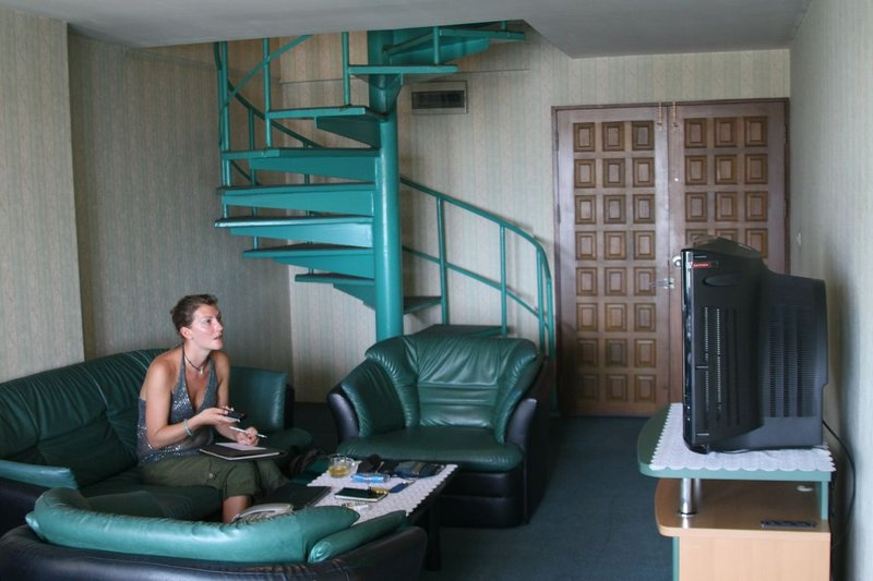 large_room1.jpg