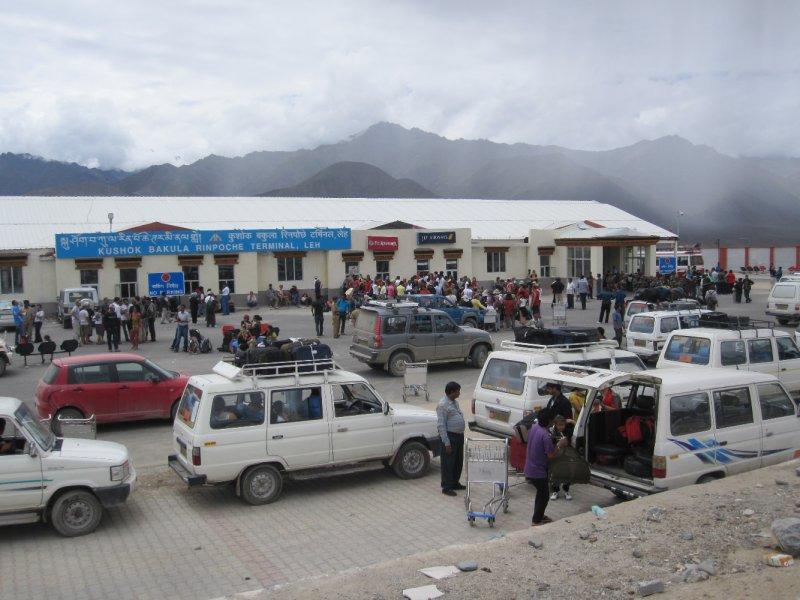 Chaos am Flughafen von Leh