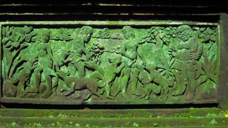 Tempelrelief im Sacred Monkey Forest