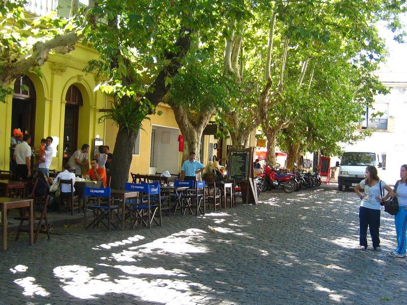 Colonia Street Scene