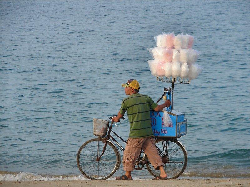 Candyfloss vendor, Nha Trang