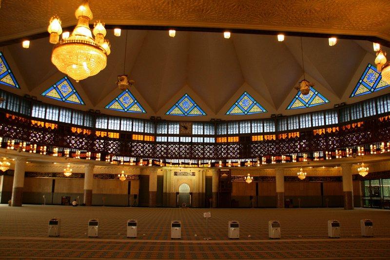 Prayer hall, Masjid Negara