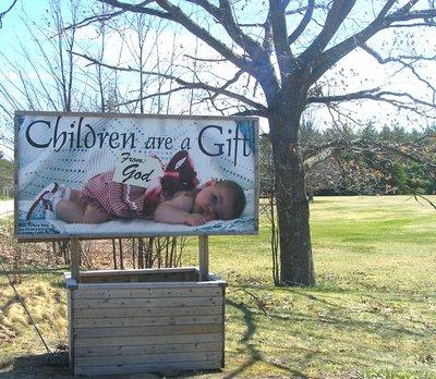 children_gift_sign.jpg