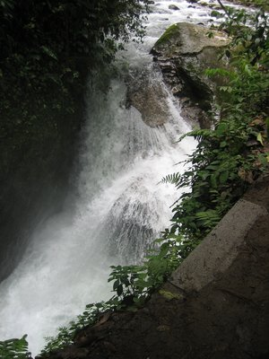 Mindo_Waterfall_1.jpg