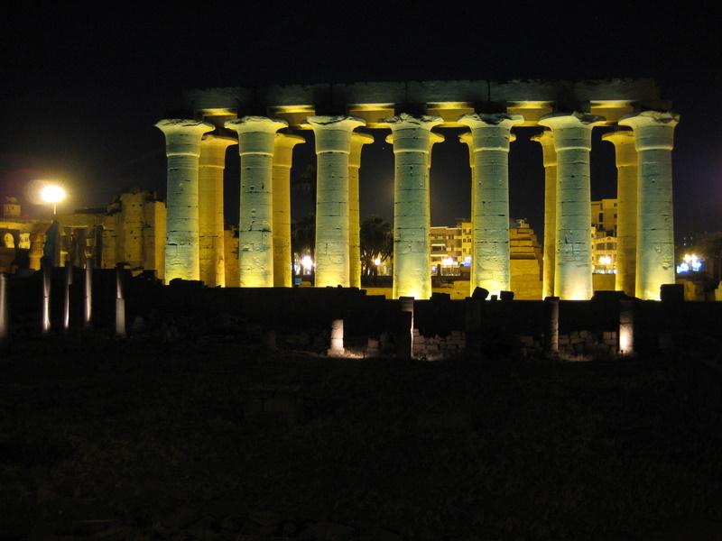 IMG_7500_Luxor_Luxor temple columns at night