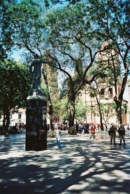 Square_in_Santa_Cruz.jpg