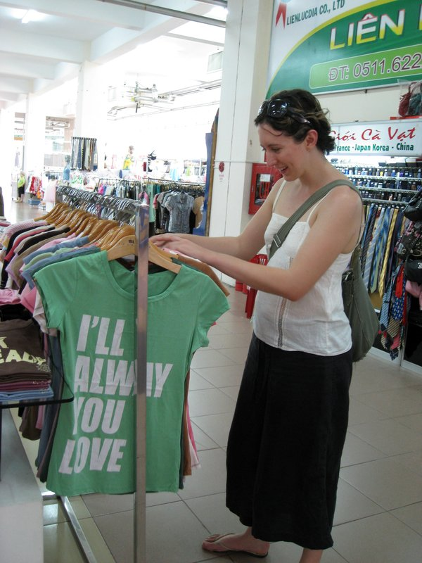laura @ the da nang supermarket