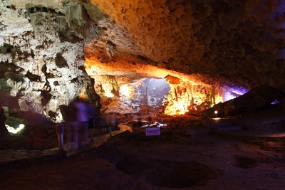 amazing_cave.jpg