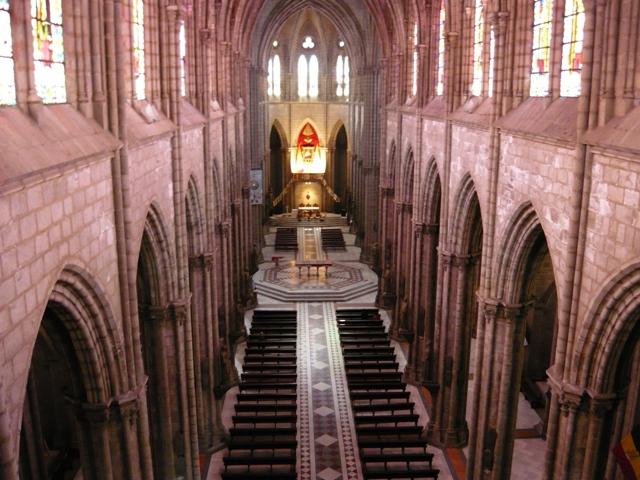 Ecuador - Quito Basilica del Voto Nacional - Interior