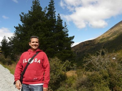 Queenstown - Mark, still smiling on the way to the leap