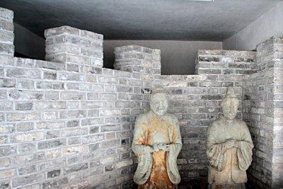 09_Statues