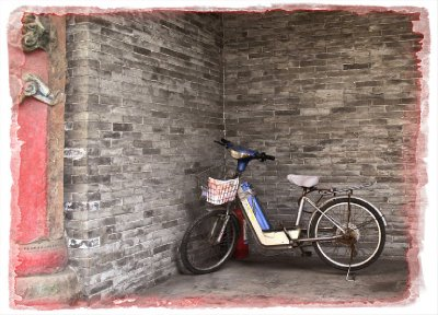ART PHOTO: Leaning Bike