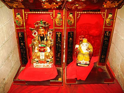 Two Red Buddhas