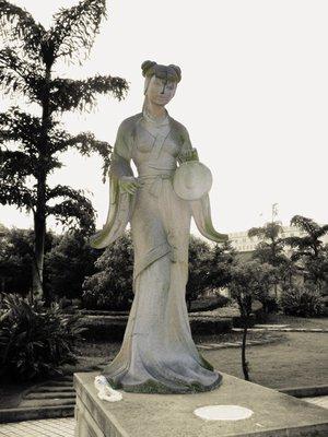Statue01.jpg