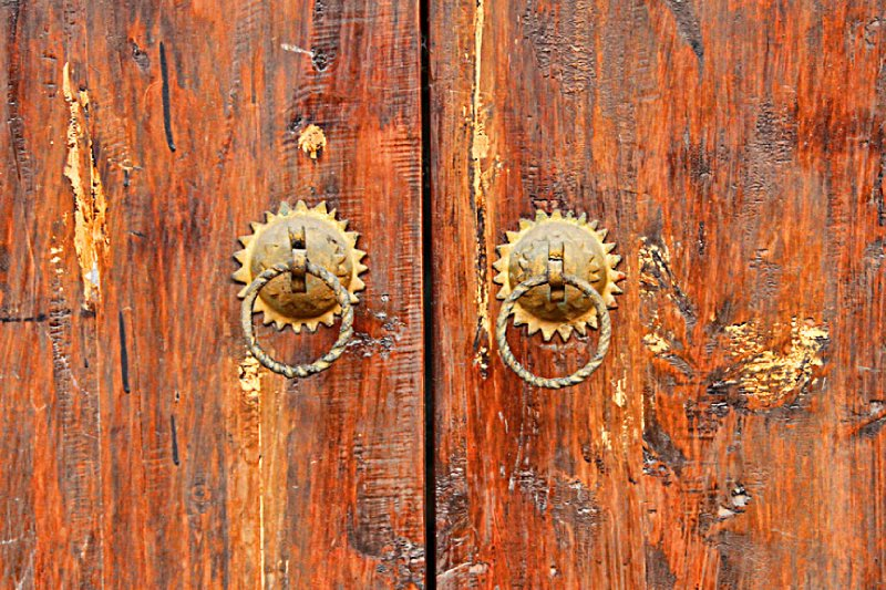 large_09KnockersKnock.jpg