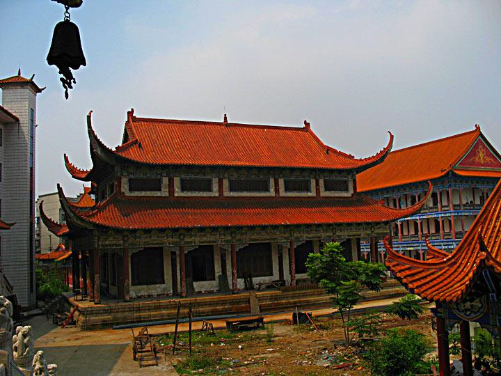JZ Sashi New Temple yard