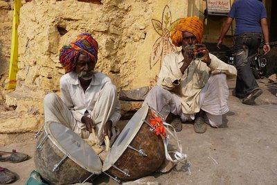 India_-_Bu..rummers.jpg