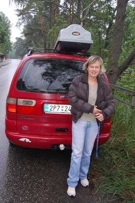5small37_Lenka_car.jpg