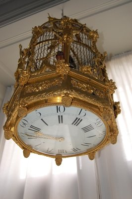 Small_birdcage_clock.jpg
