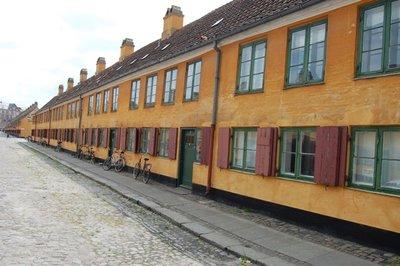 Small_row_houses.jpg