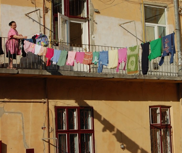 2009 535 Laundry Line Small