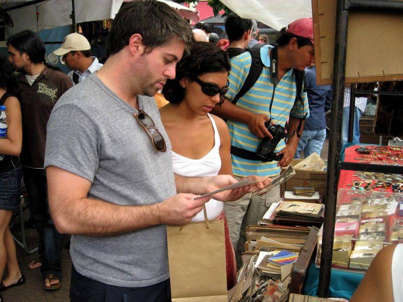 BA-Gur street shopping