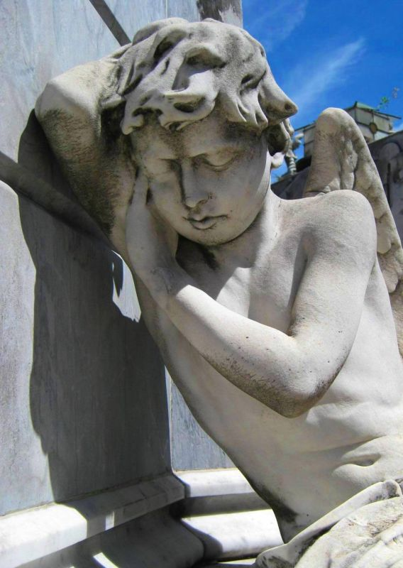 BA-Gur angel against tomb