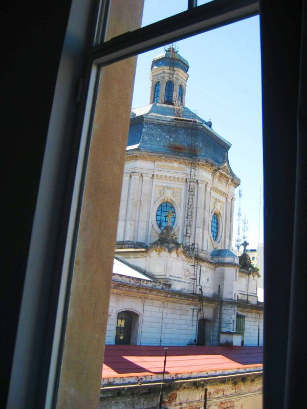 BA-Gur san francisco cathedral from window