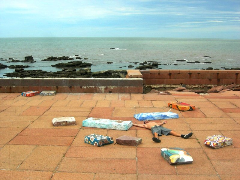 Montevideo: painted stones and izzy