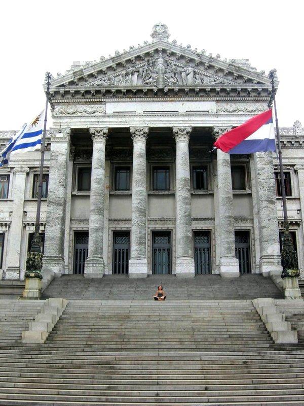 Montevideo: marisa on steps 1