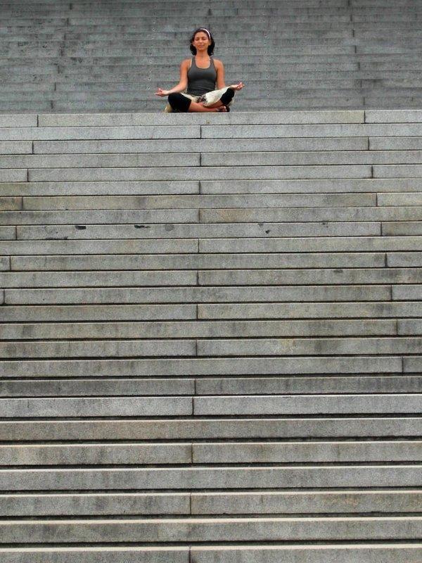 Montevideo: marisa on steps 3