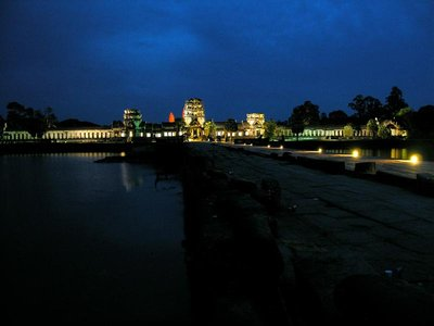 1002_AngkorEste.jpg