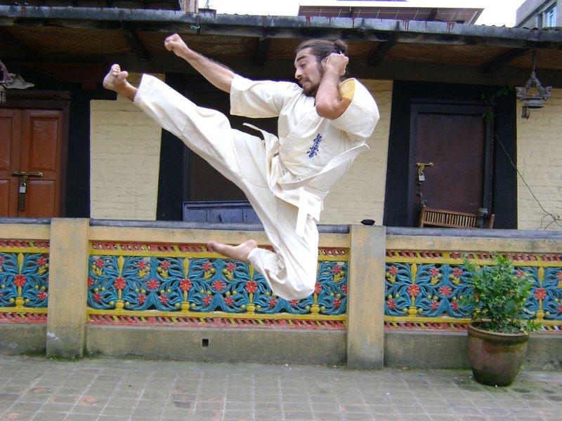 Flying Side Kick!