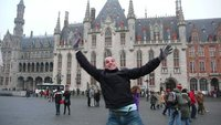 Jumping in Brugge