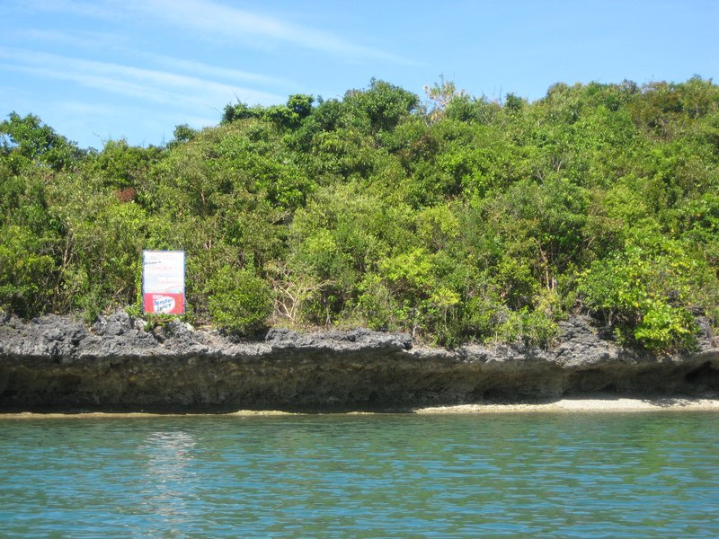 hundred islands, a limestone island